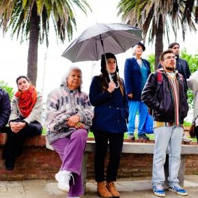 el público bajo la lluvia, grande!!!!/ Foto www.denisadonis.cl